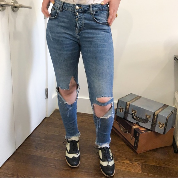 Zara Blue Denim Distressed Cropped Jeans